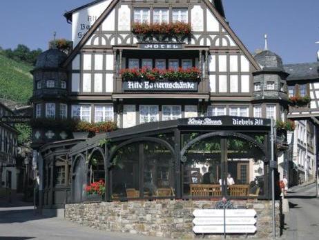 Best Price on AKZENT Hotel Berg\'s Alte Bauernschänke in Rudesheim am ...