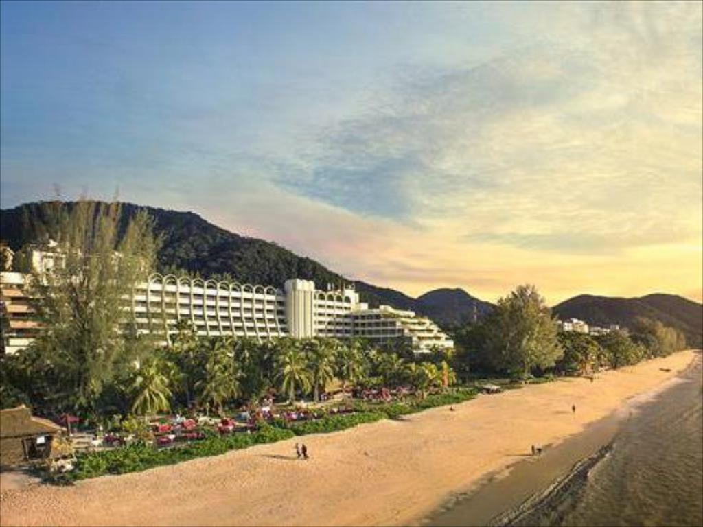 Beach PARKROYAL Penang Resort