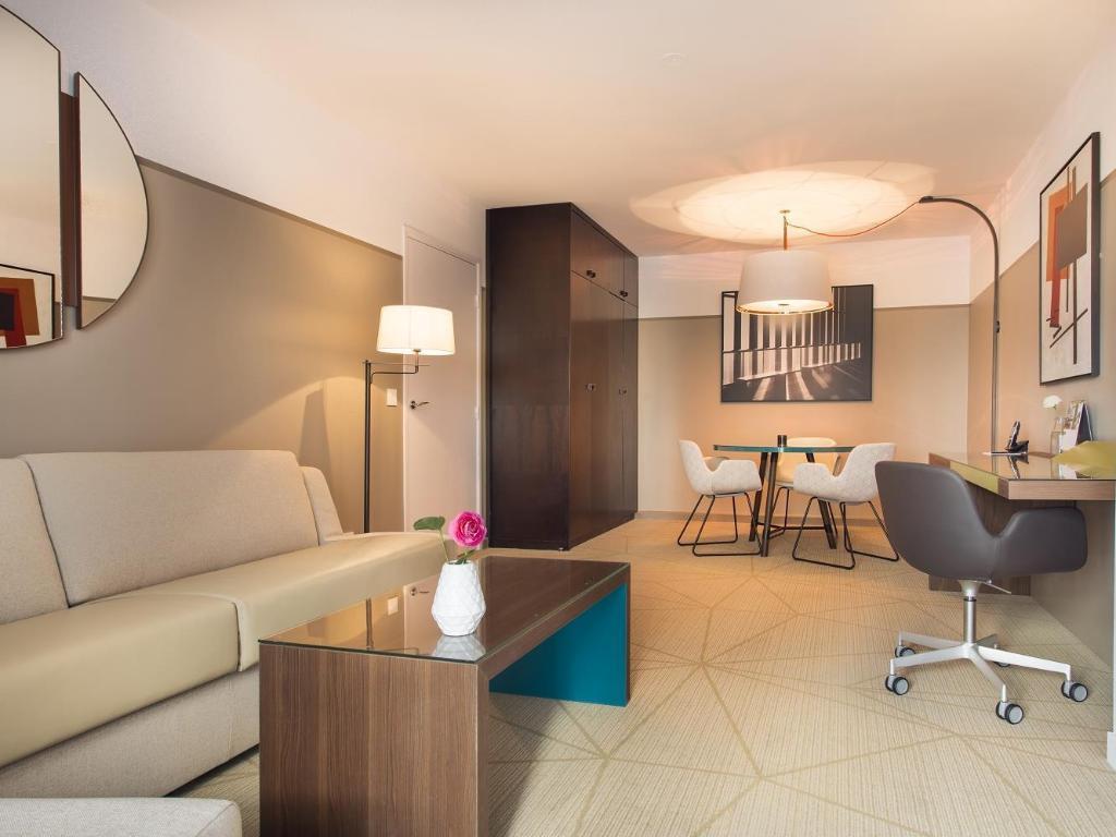 Fraser Suites Harmonie Paris La Defense Apartments In France