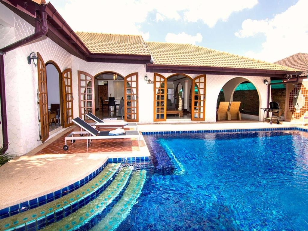 Exterior view Grand Condo Lotus pool villa