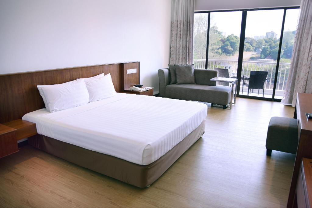 Superior Hill View Room with Double Bed Bayview Beach Resort