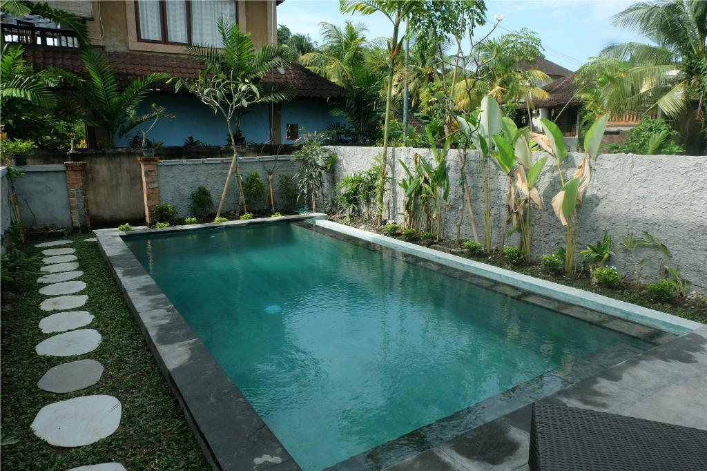 Swimming pool Eka Bali Guest House