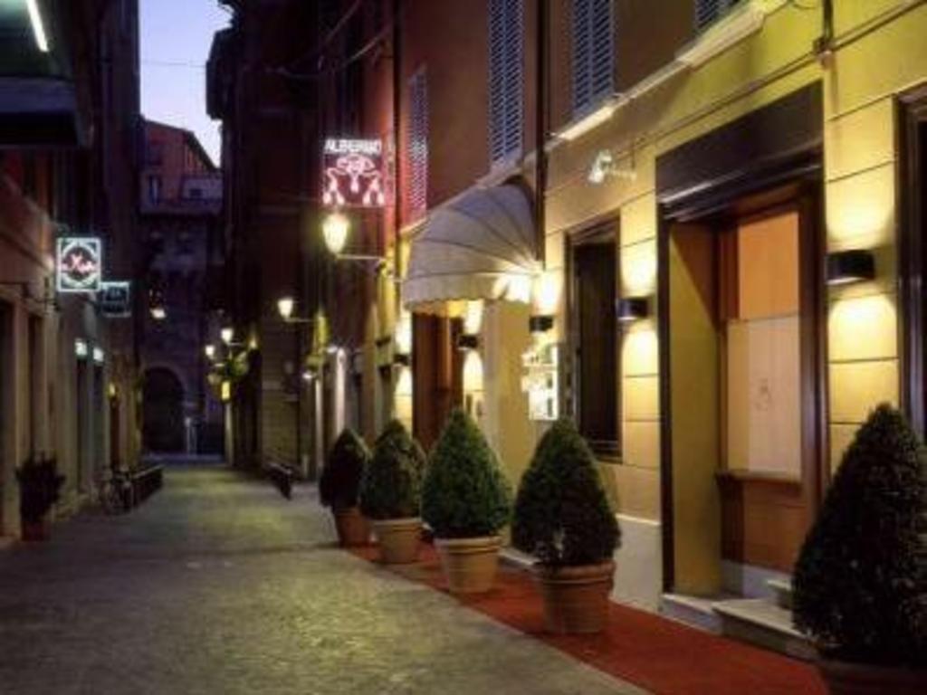 Book Hotel Al Cappello Rosso in Bologna 8dd7b2de0d33