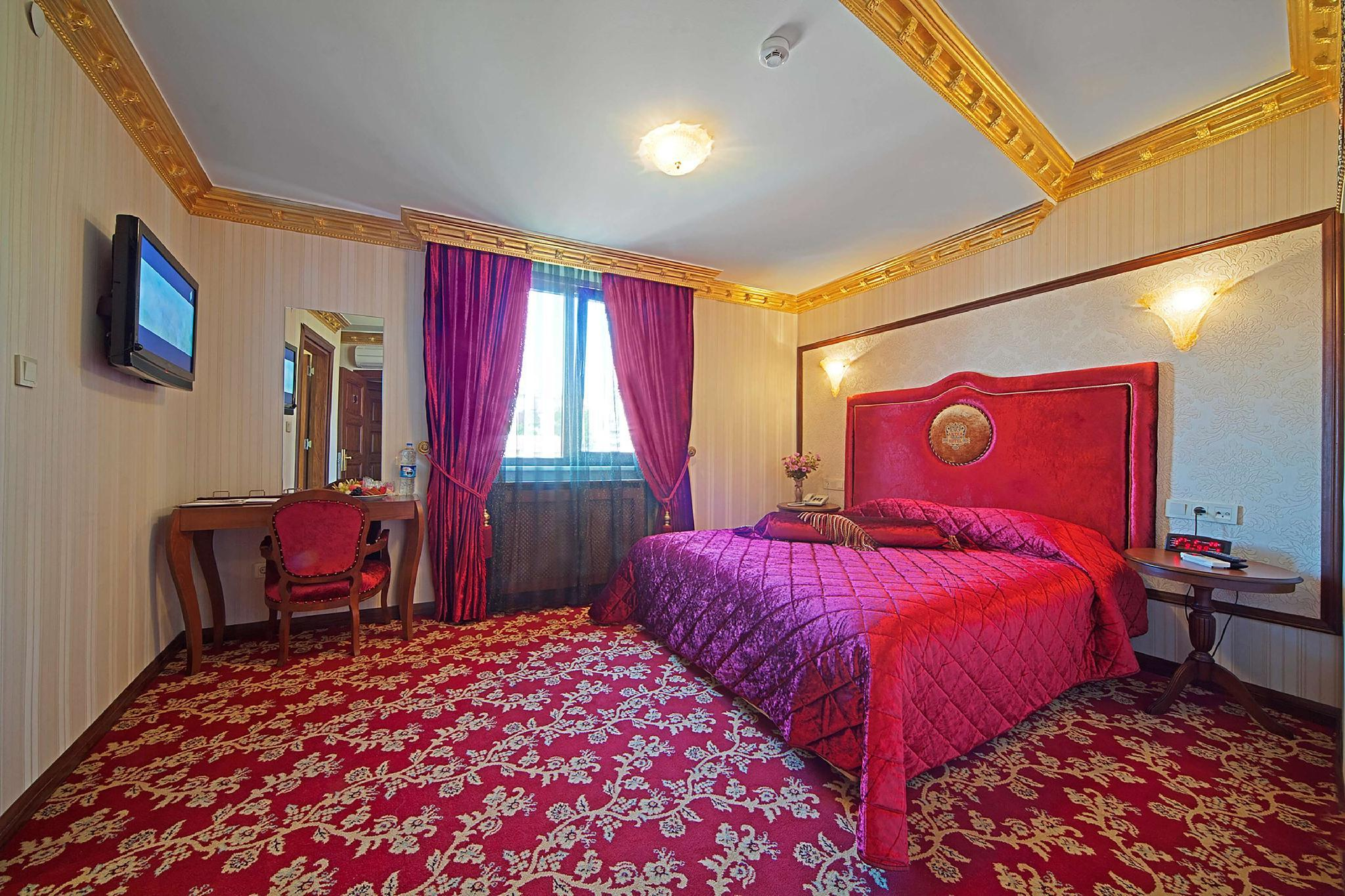 Deluxe Room with Queen Bed Non Smoking