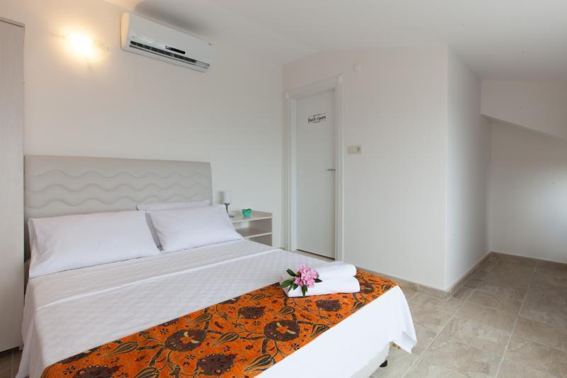 Suite - 1 to 4 People - Panoramic Sea View
