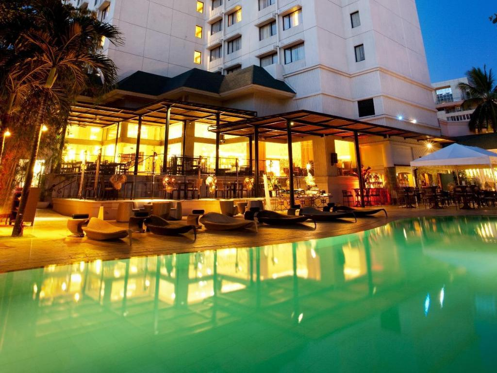 Best price on cebu city marriott hotel in cebu reviews for Cheap hotels in cebu city with swimming pool