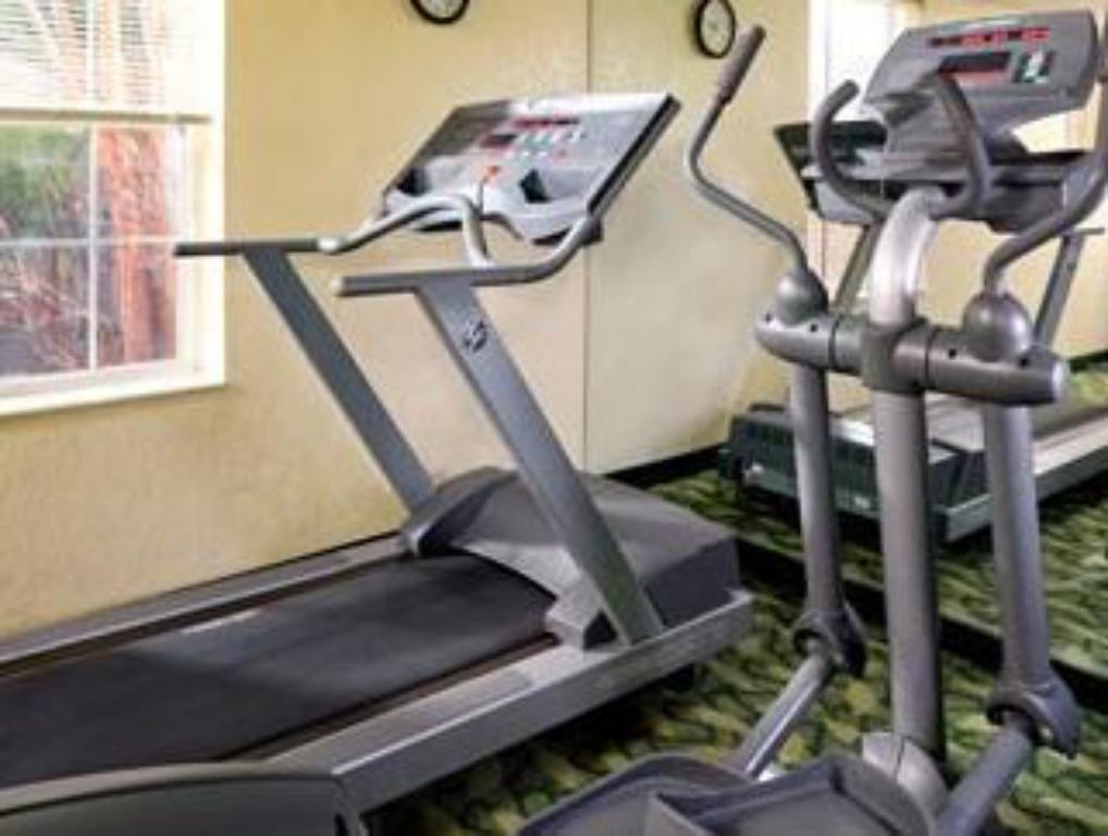 Fitness center TownePlace Suites Falls Church