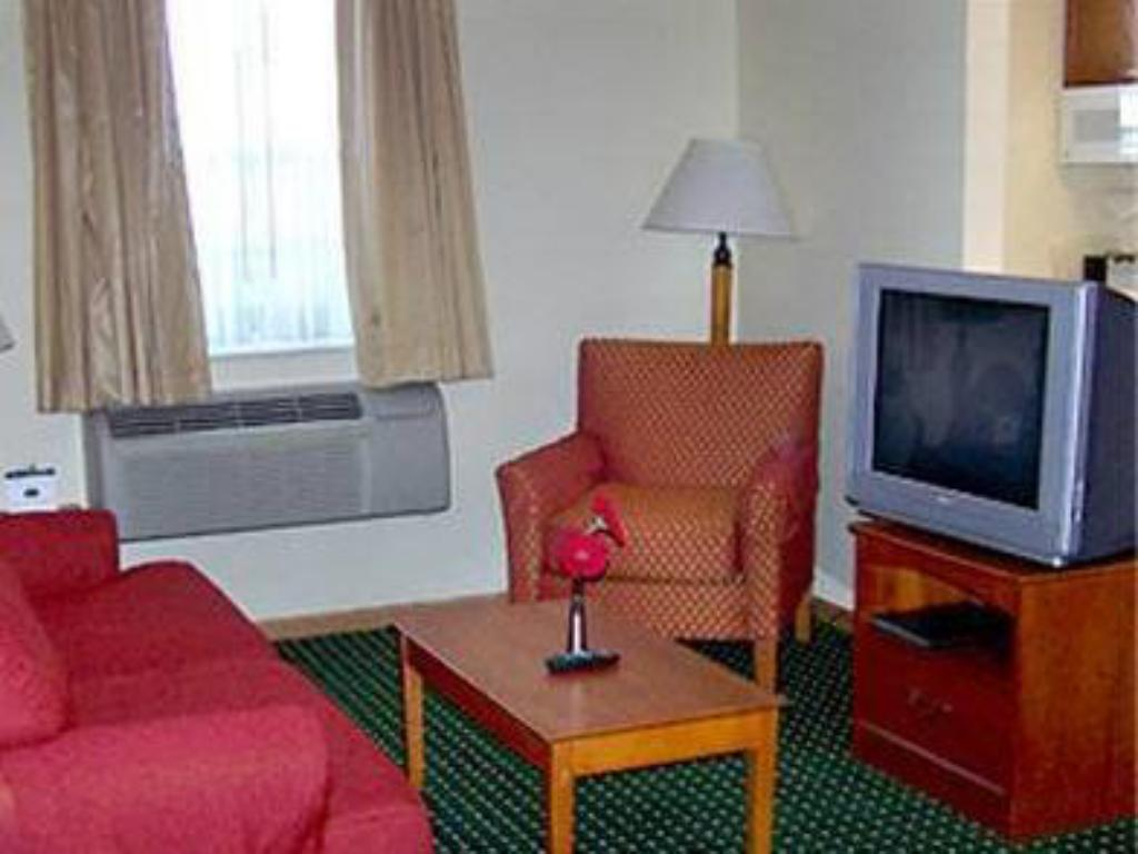 Lobby TownePlace Suites St. Louis St. Charles