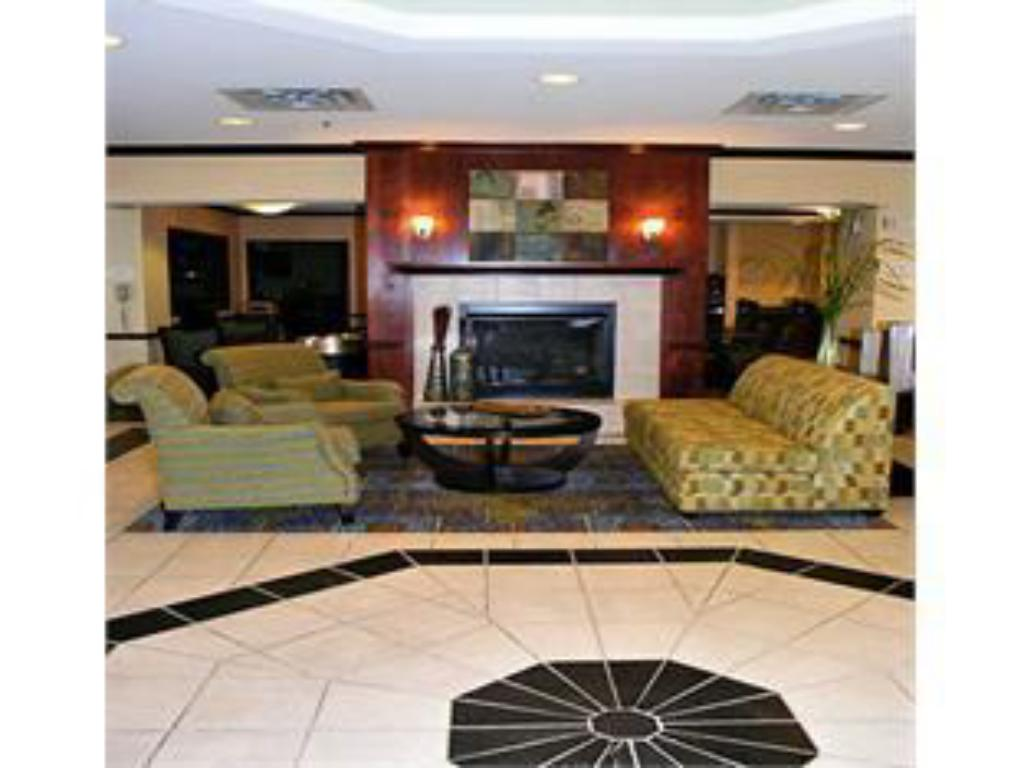 Lobby SpringHill Suites Milford