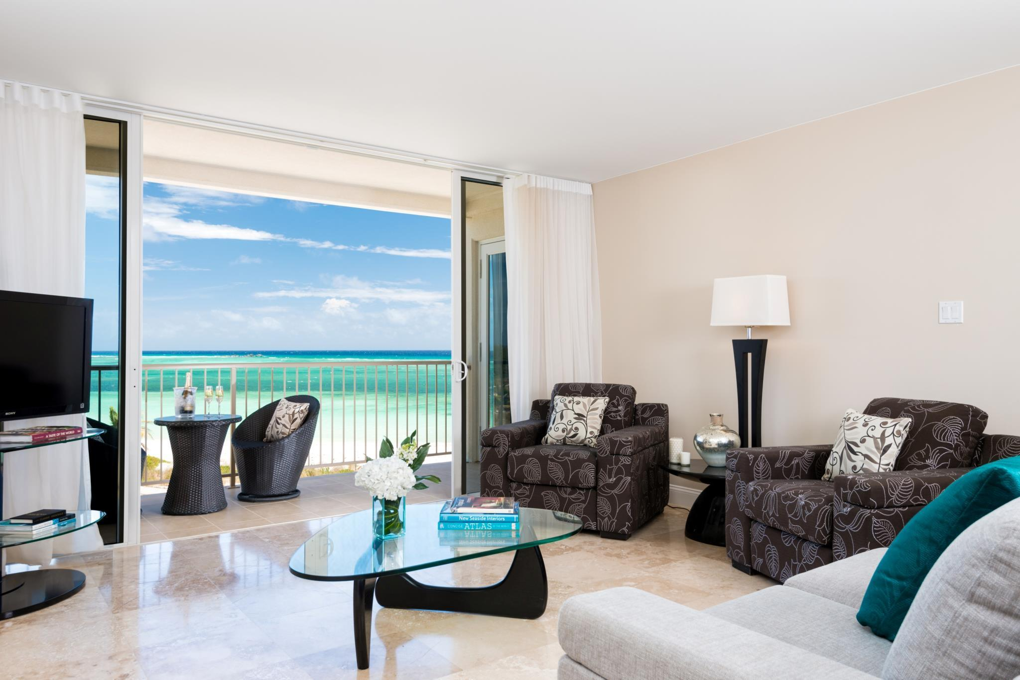 1 Bedroom Suite Beach Front