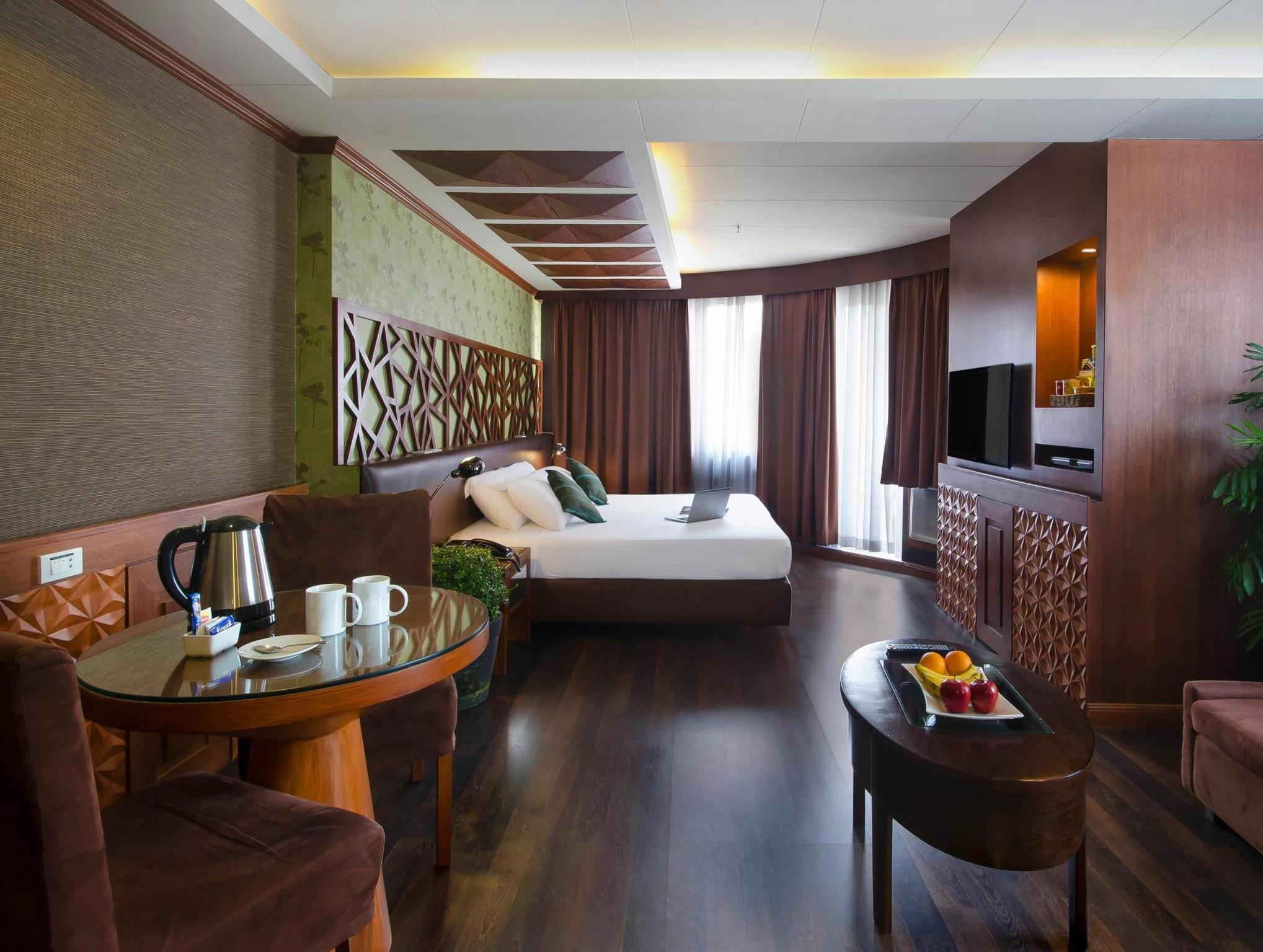 Suite with breakfast (Long Stay Promo)