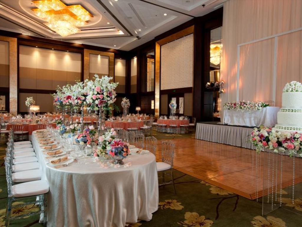 Ballroom Diamond Hotel