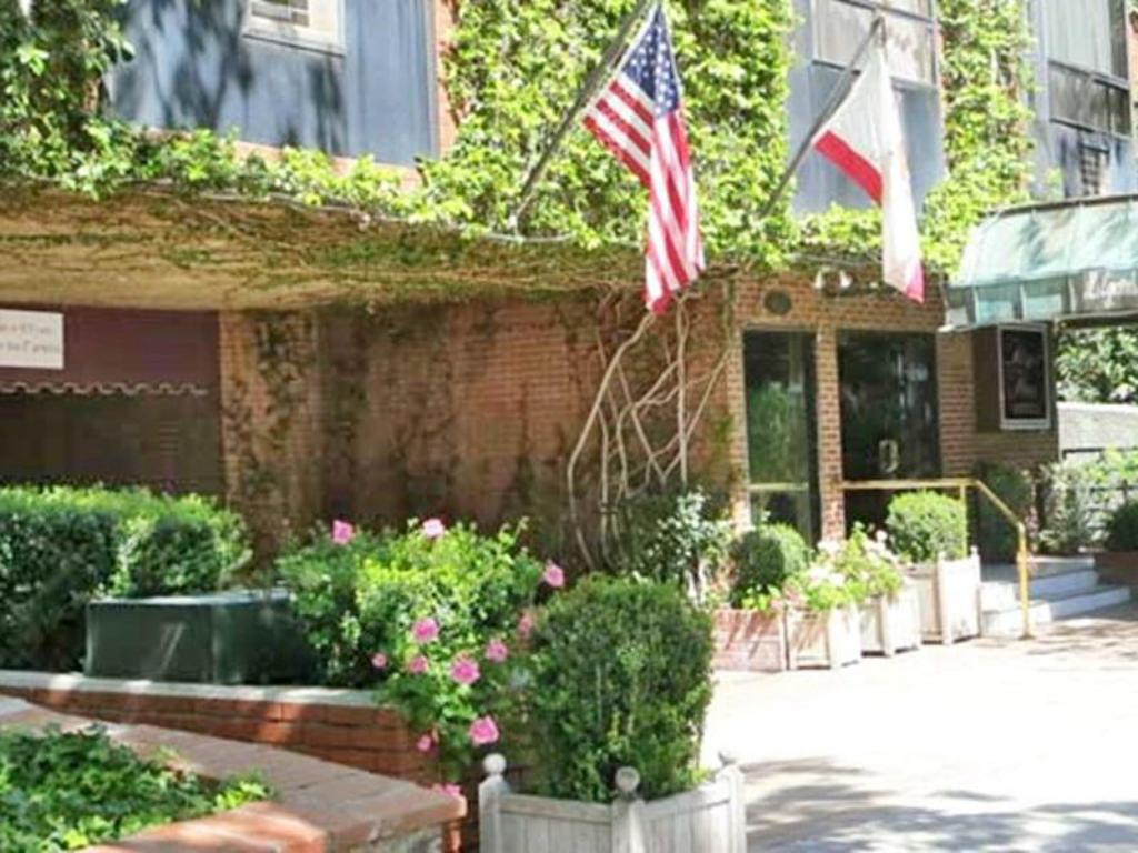 Best Price on Hilgard House Westwood Village in Los Angeles (CA) + ...