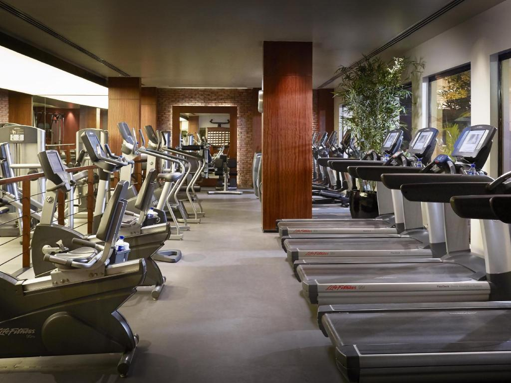 Fitness center The Peninsula Manila