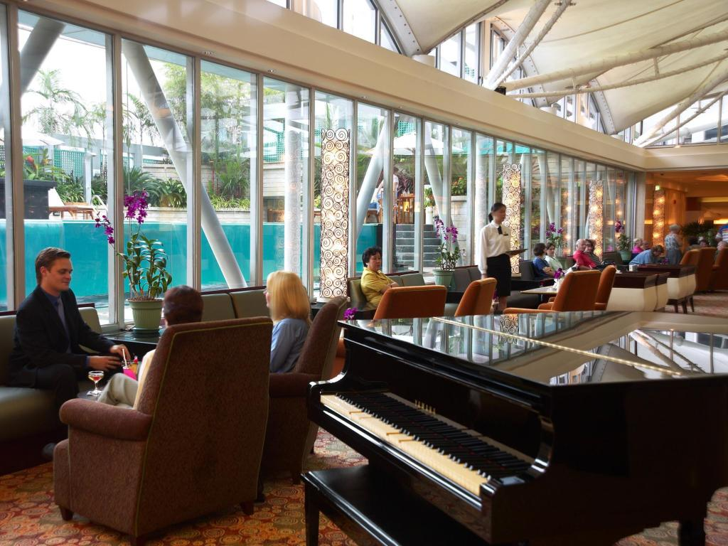 Lobby Peninsula Excelsior Hotel