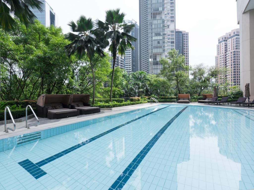 More about Four Seasons Hotel Singapore