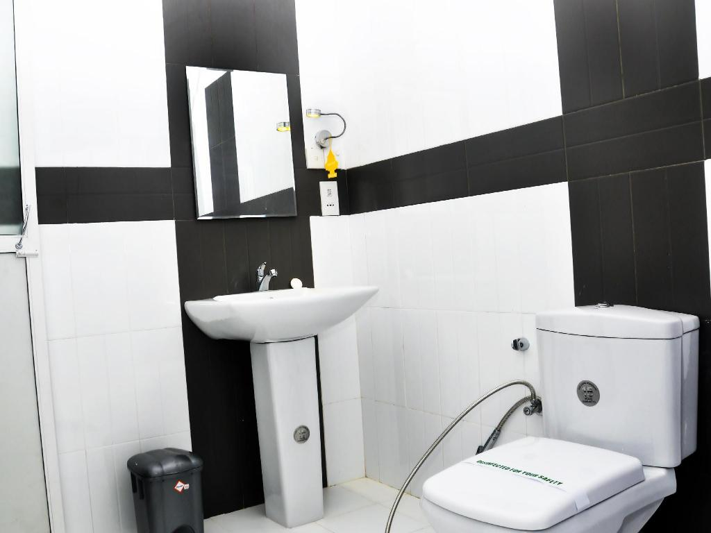 Bathroom Aaranya Residencies