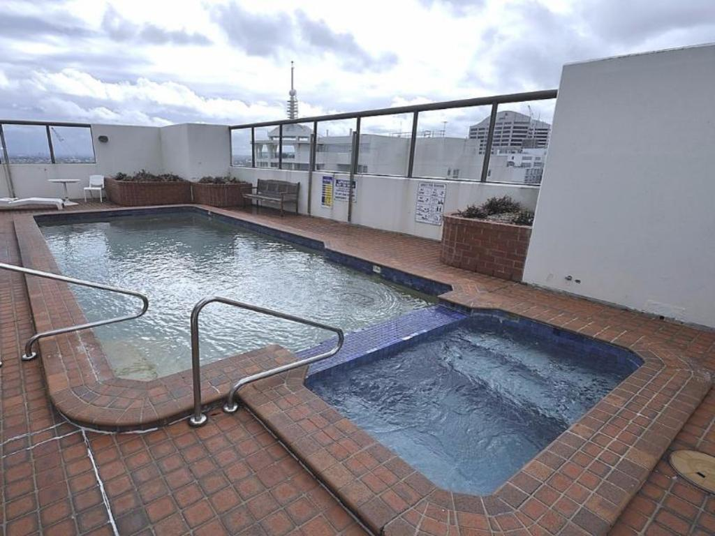 Best price on sydney cbd furnished apartments 61 liverpool - Hotels with swimming pools in liverpool ...