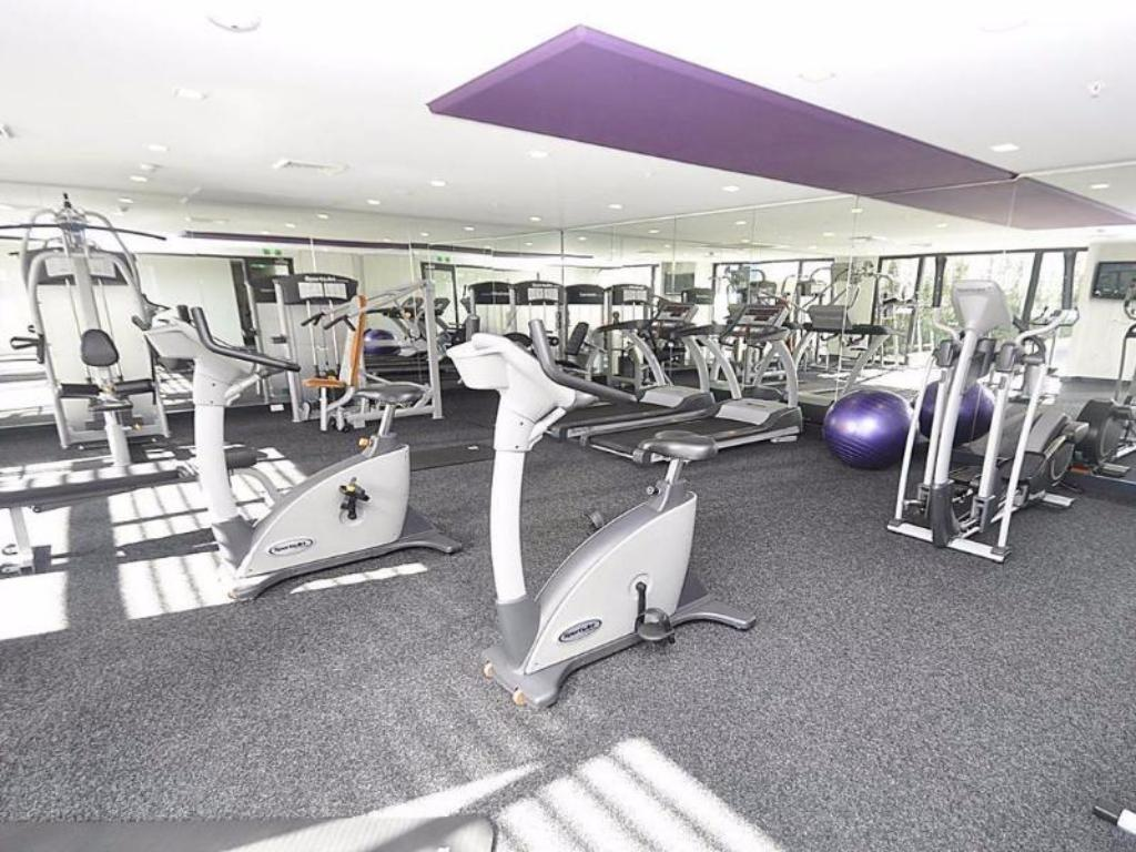 Fitness center Camperdown Furnished Apartments 908 Stirling Circuit