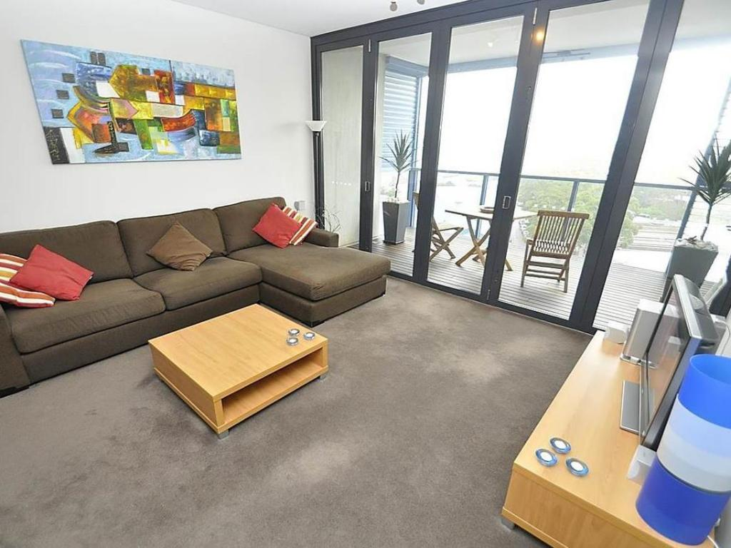 Interior view Camperdown Furnished Apartments 908 Stirling Circuit