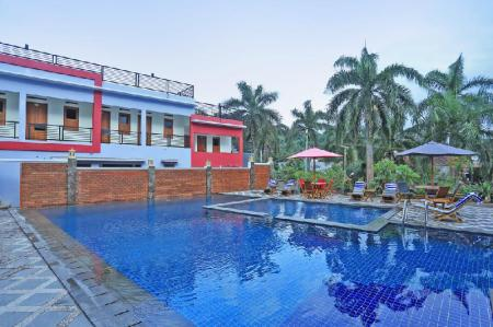 Swimming pool [outdoor] Jazz Senggigi Hotel