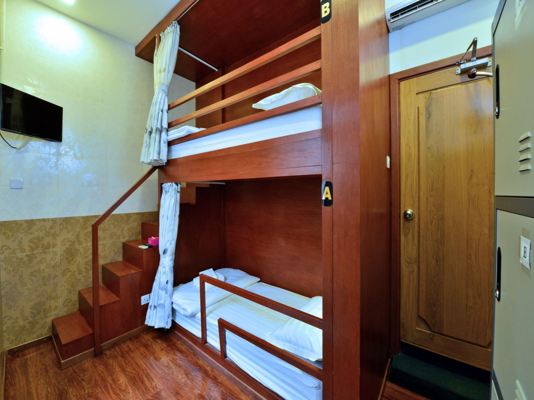 2床女生宿舍(1人床位) (1 Person in 2-Bed Dormitory - Female Only)
