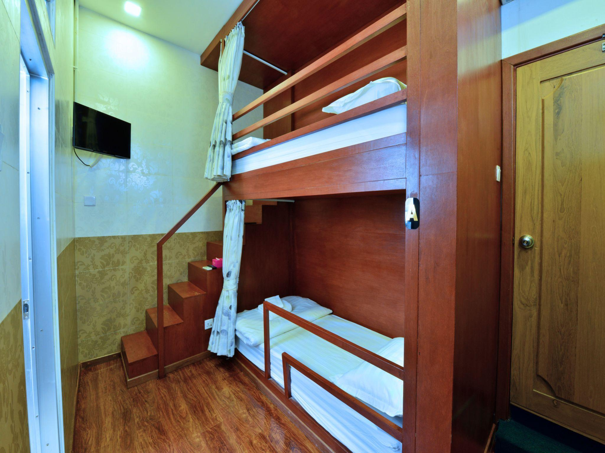 1個床位(2人男生宿舍) (1 Bed in 2-Bed Dormitory (Male))