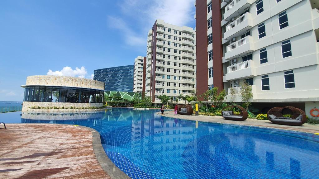 Luxury Mansion at the Heart of City of Balikpapan Entire ...