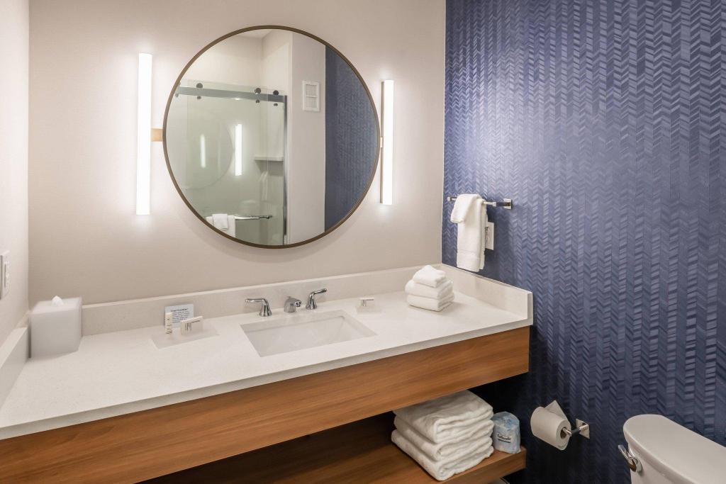 Guest room, 2 Queen Fairfield Inn and Suites by Marriott Fort Worth Northeast
