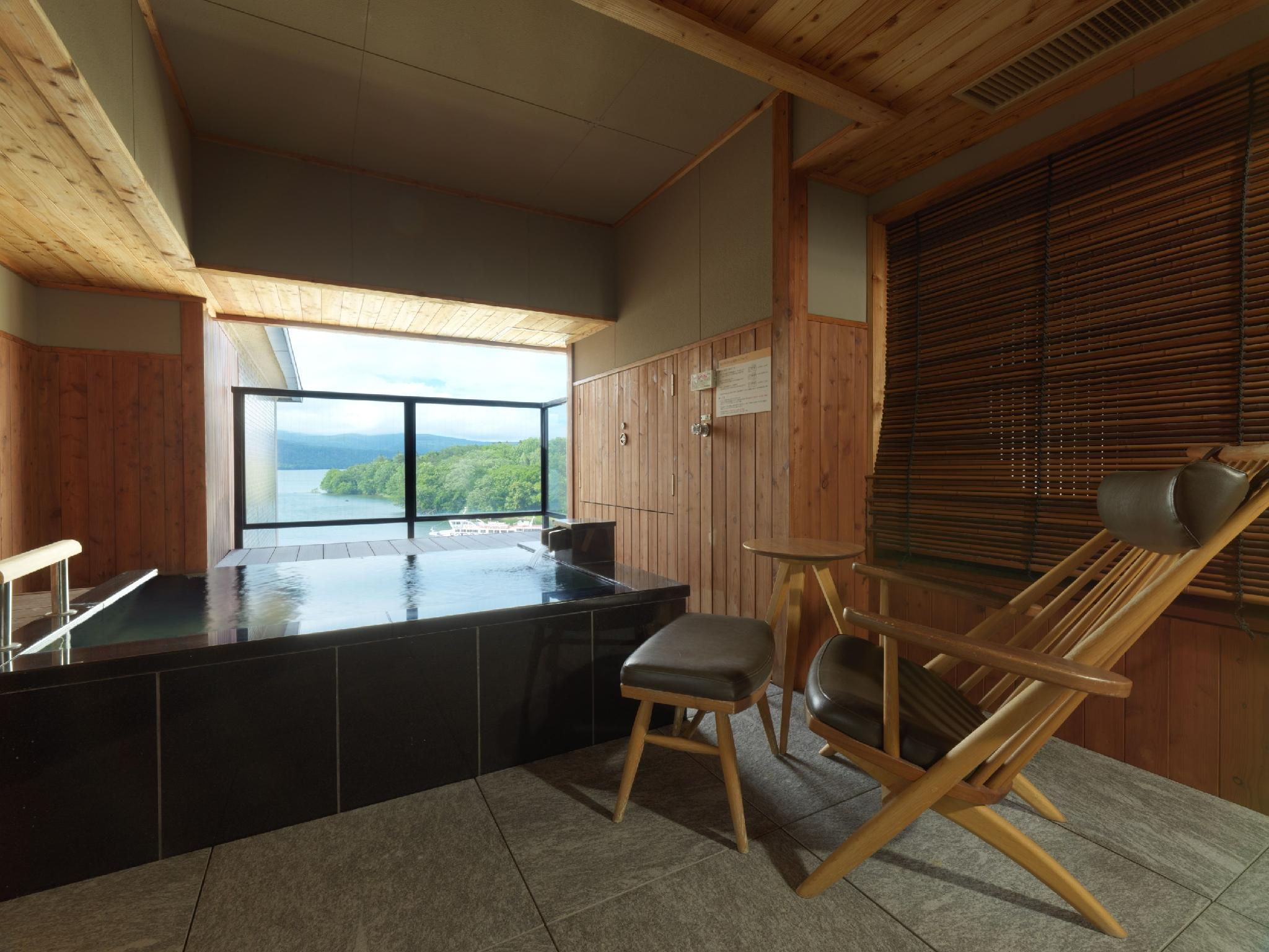 Japanese/Western-style Room with Open-air Bath (Kaze-no-Za Type)