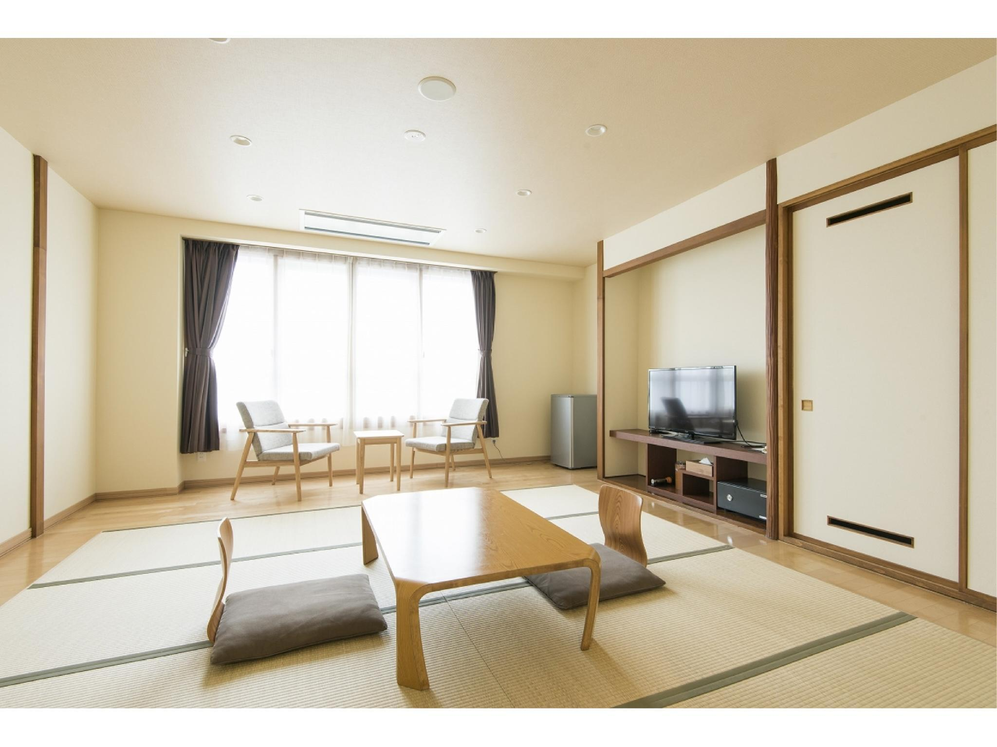 Large Japanese-style Room *Refurbished July 2018