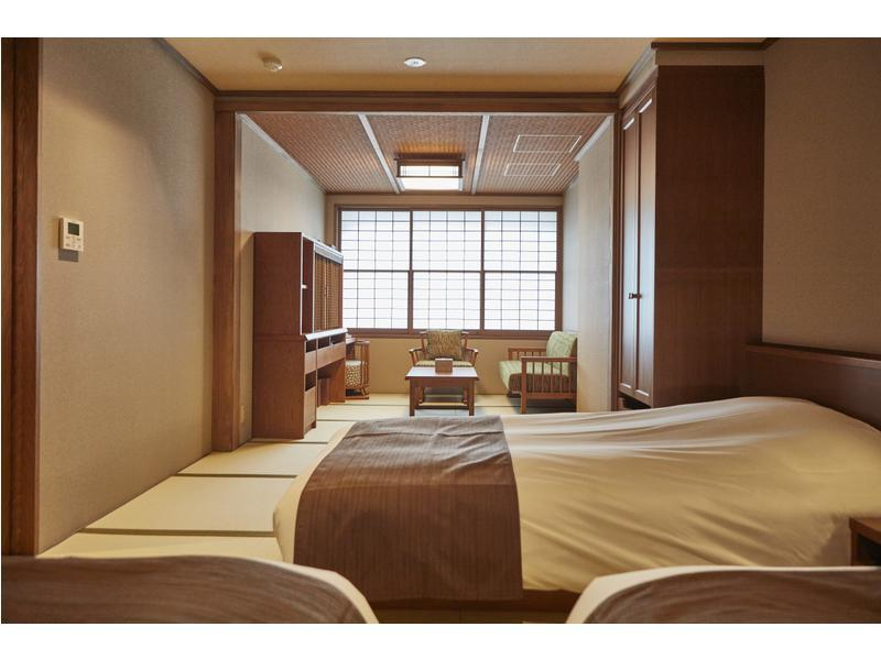 和式房 (附床) (Japanese-style Triple Room *Has bath)