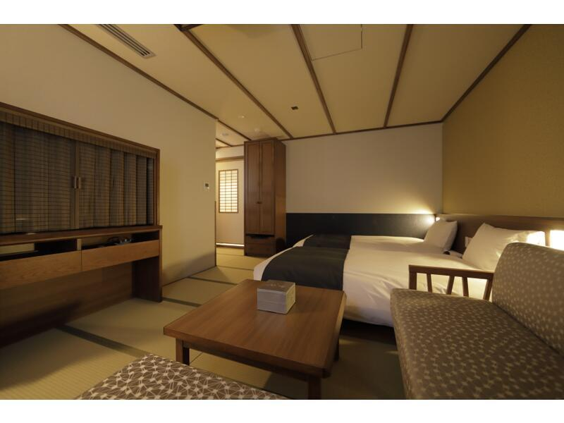 일본식 세미스위트룸(4베드/천연온천탕) (Japanese-style Semi-suite with Natural Hot Spring Bath (4 Beds))