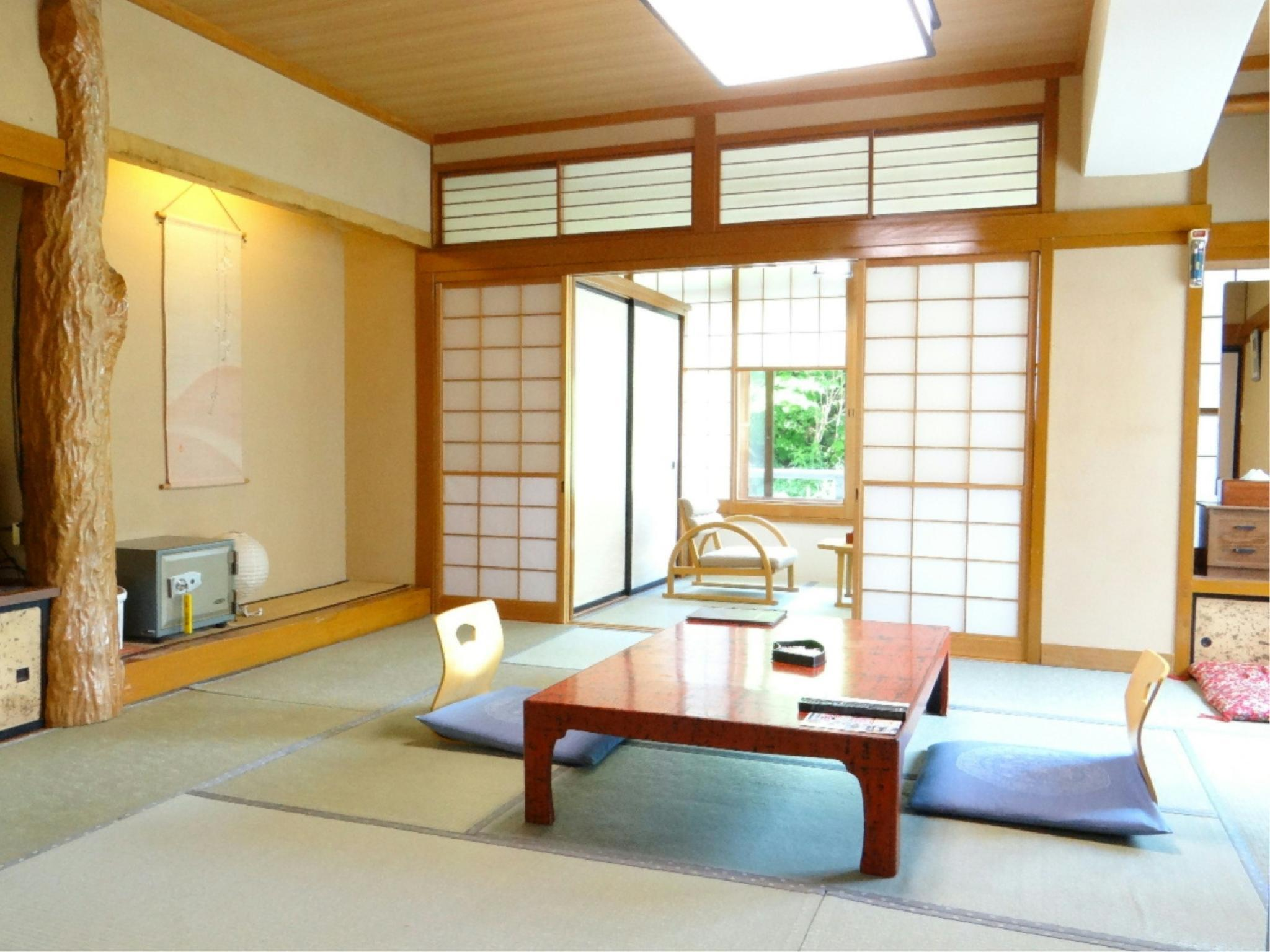 本館 包角和式房※有廁所 (Japanese-style Corner Room (Main Building) *Has toilet)