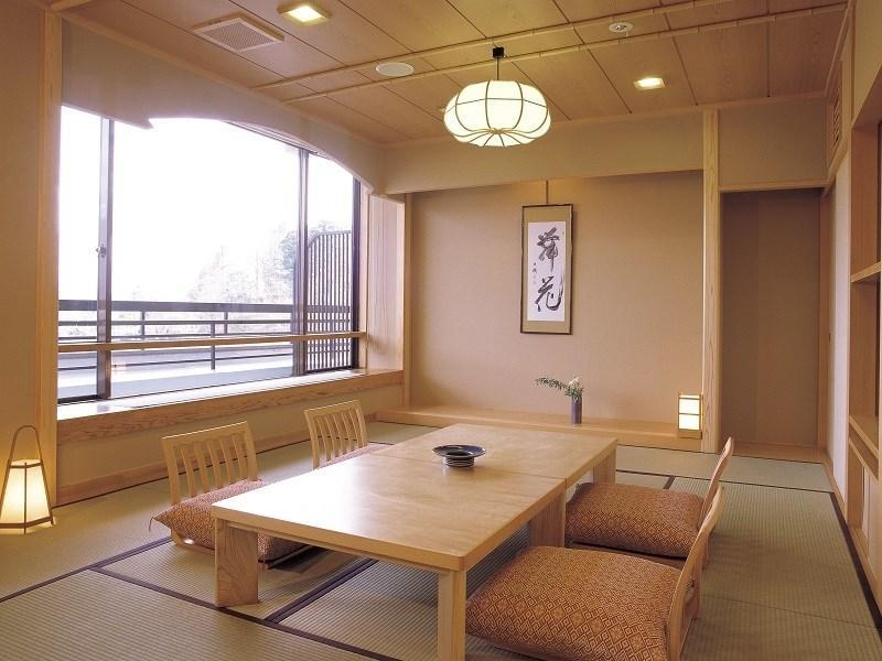 本丸 和式房 (2020年4月1日起禁烟) (Japanese-style Room (Honmaru Wing) *Non-smoking from 2020/4/1)