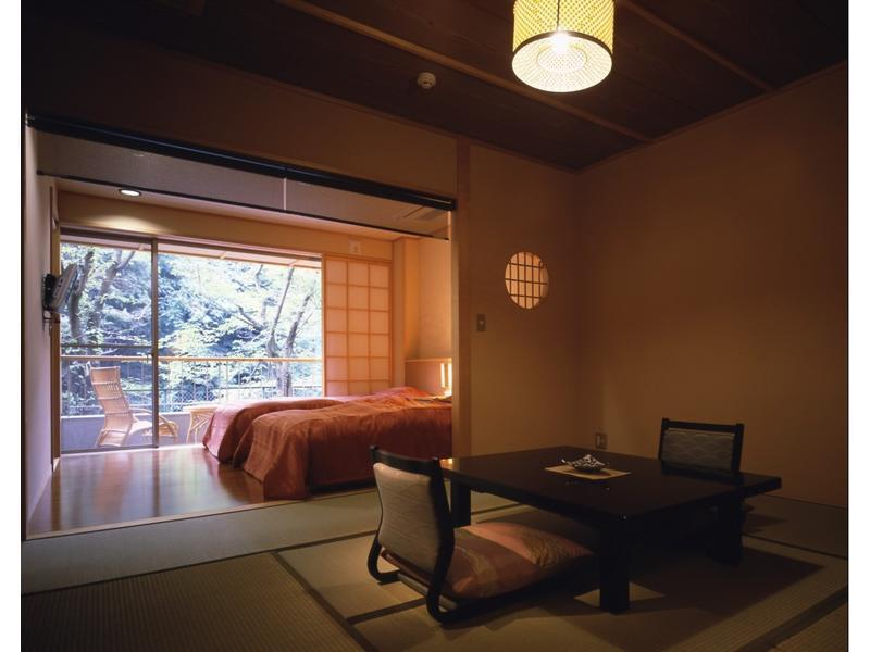 和洋式房 (Japanese/Western-style Room with Open-air Bath (2 Beds, Annex))