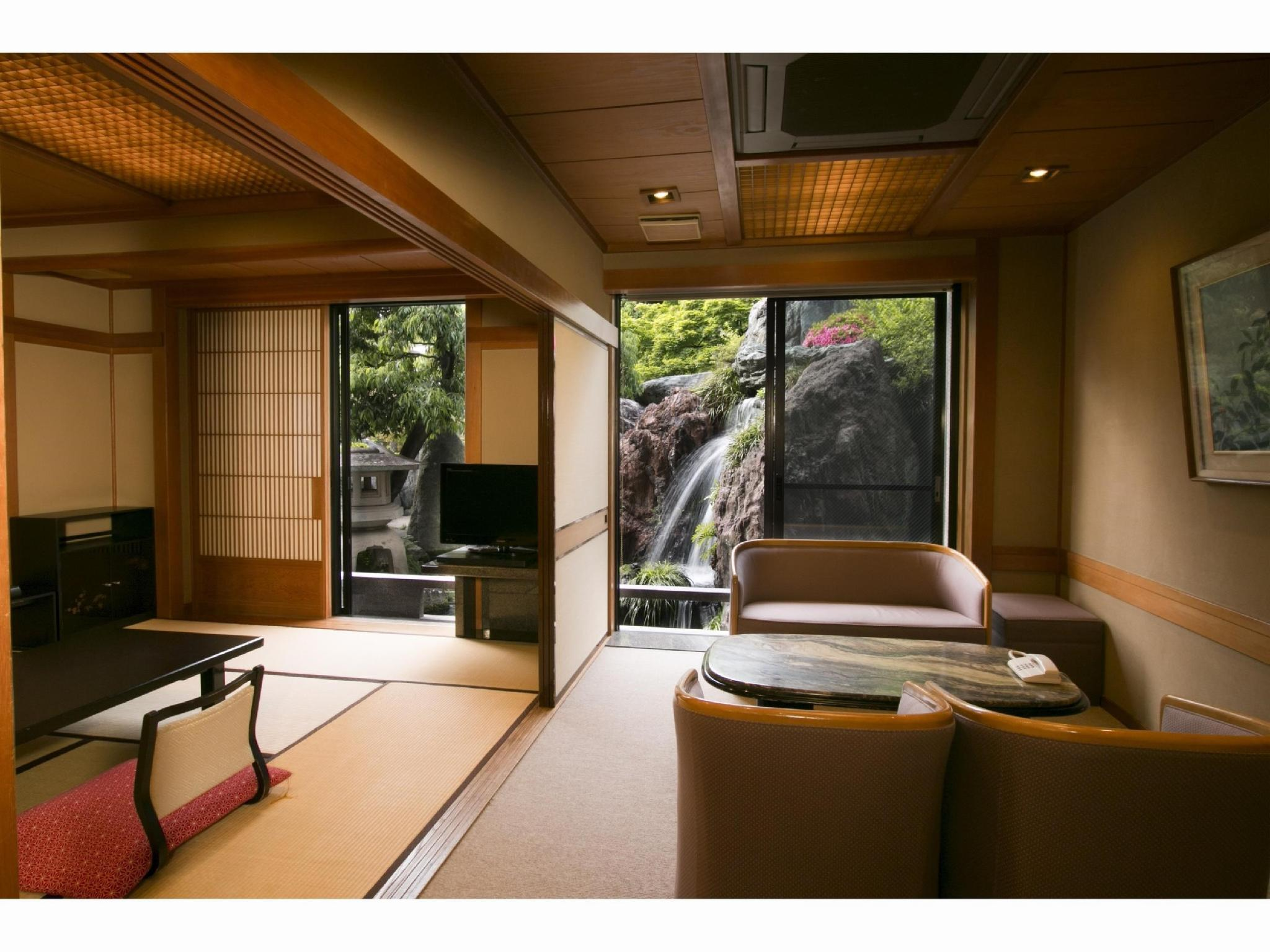 【南殿】和室12+4畳 (Japanese-style Room with Reception Room (Minamiden Type))