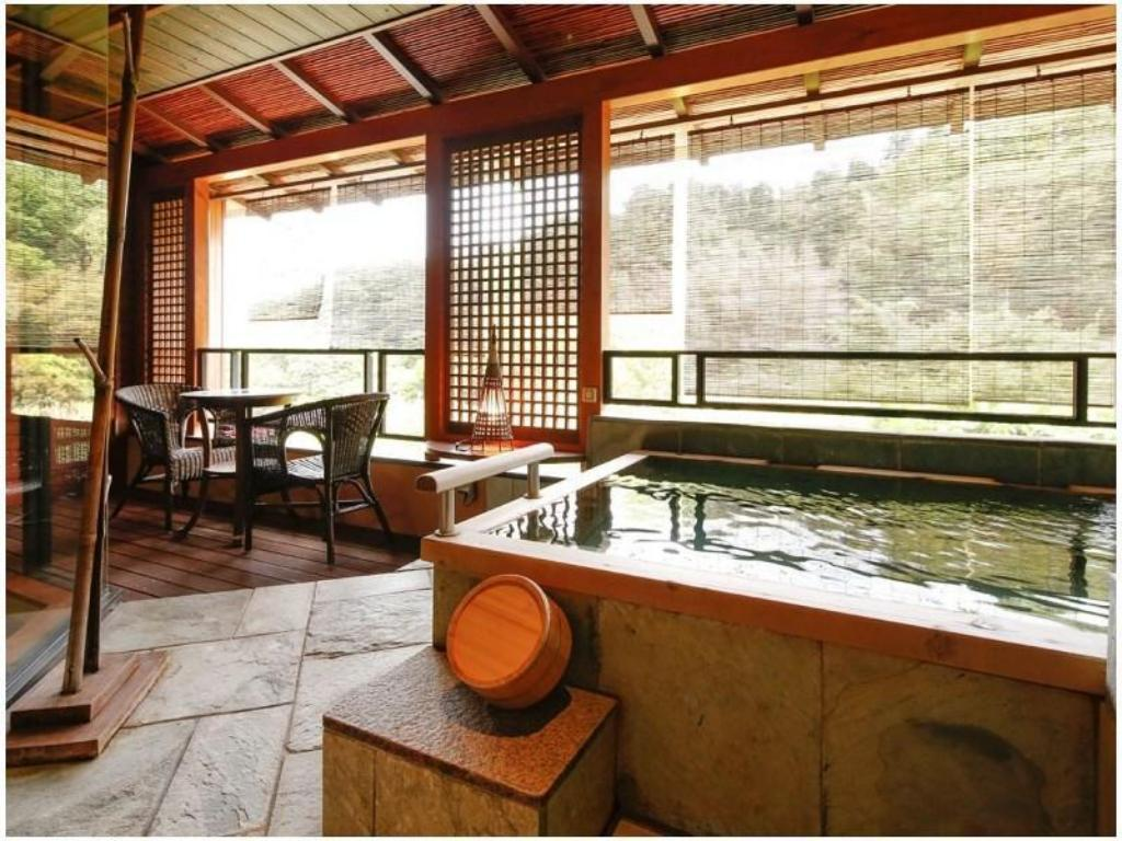 Japanese-style Room with Open-air Hot Spring Bath & Sauna (Type G, New Building) - Guestroom Manyou no Sato Hakuunso
