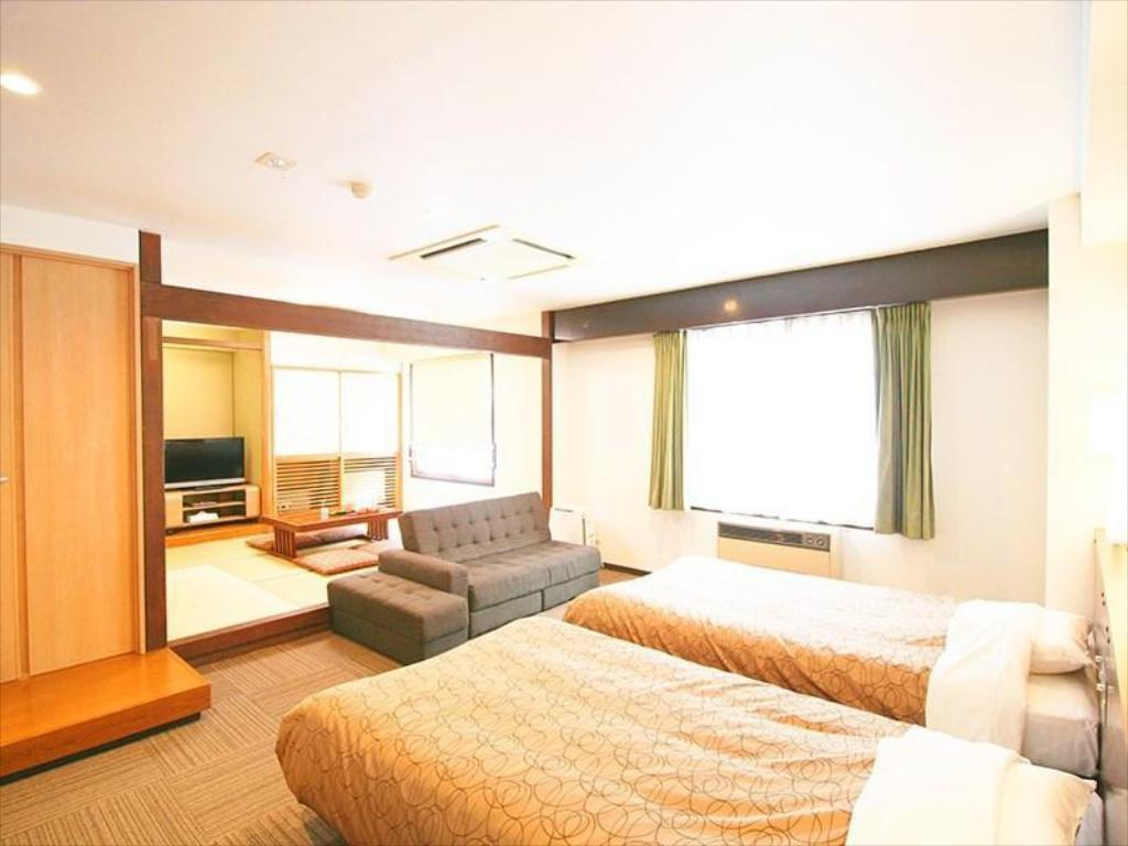 Japanese/Western-style Room (Top Floor) - Guestroom