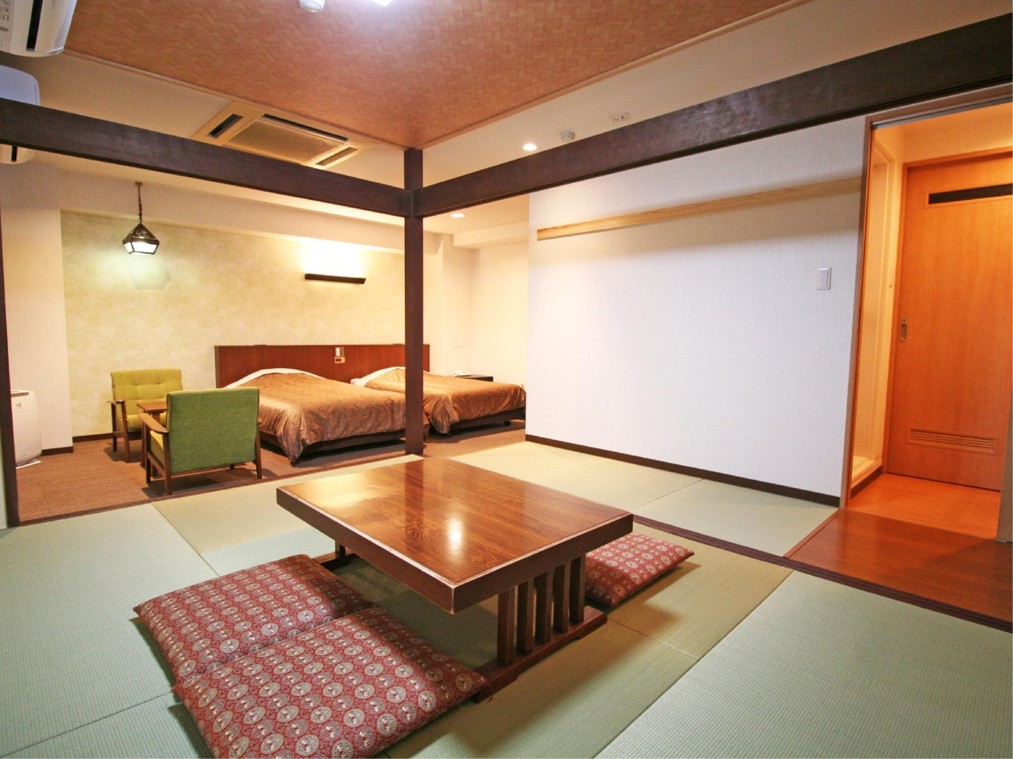 Japanese/Western-style Room (Top Floor)