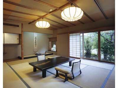 和室 (Detached Japanese-style Suite)