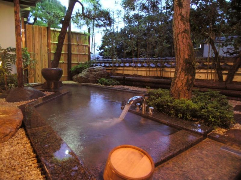 露天風呂離れ客室A (Detached Japanese-style Room with Open-air Bath (Type A))