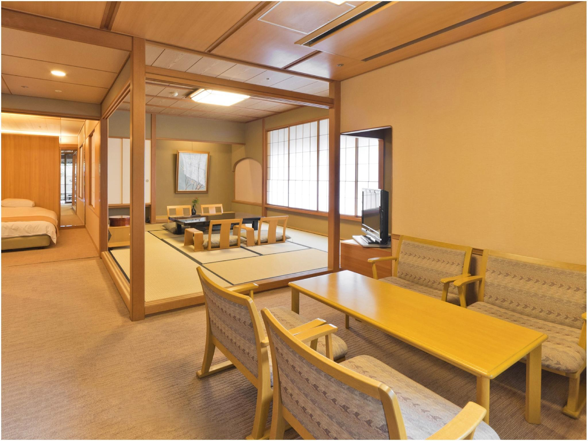 能登渚亭 市街景 和洋式房(精致双人双床房+露天风吕) (Superior Japanese/Western-style Room with Open-air Bath (Twin Beds, Noto Nagisatei Wing) *Street side view)