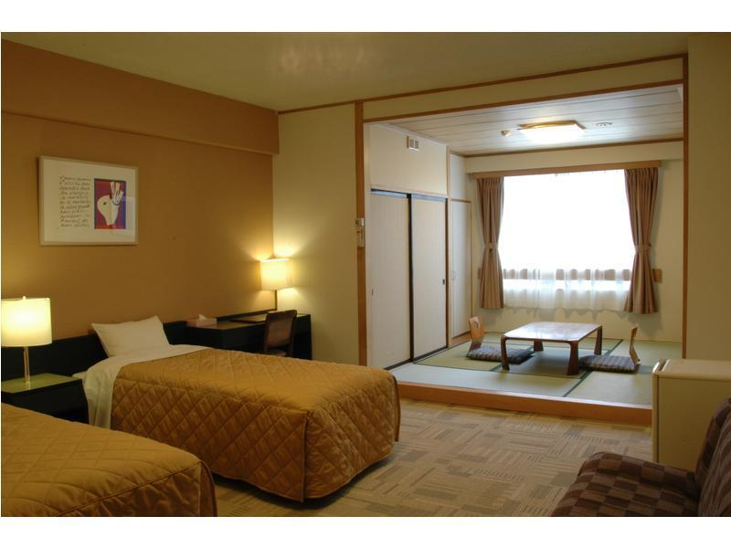 다다미 침대 객실(트윈) (Japanese Western Style Room with Twin Bed)