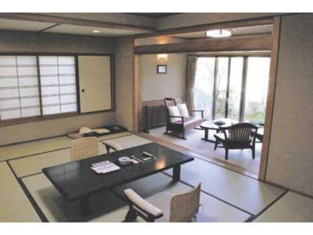 Japanese Style Room with Open-Air Bath - Guestroom Sagasawakan