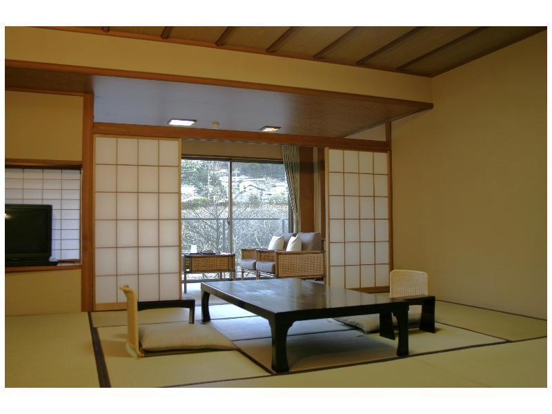和室 (Japanese-style Room with Indoor Bath (Kagetsu-tei Wing))