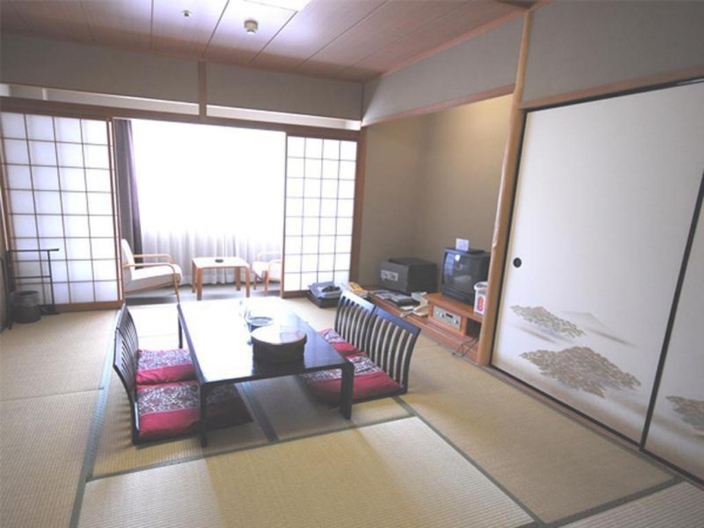 Japanese-style Room (Main Building or Annex) - Guestroom Tateyama Kokusai Hotel