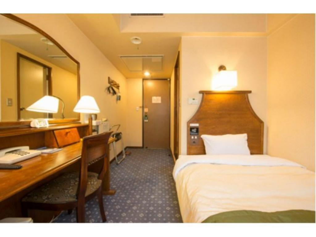 Wide Single Room - Guestroom Hotel New Station