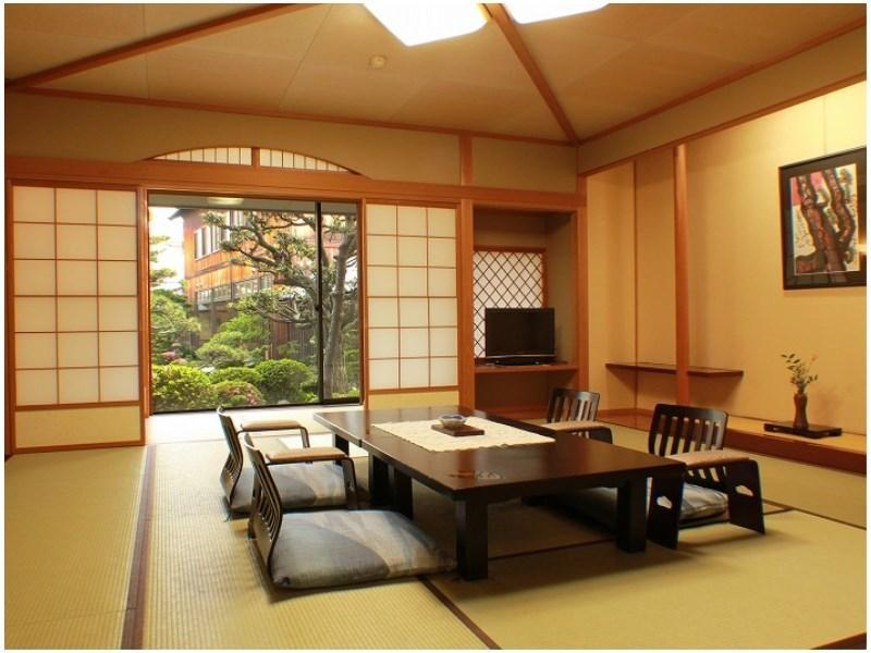 和室【観月亭】 2020/4/1~ 禁煙|10畳+踏込 (Japanese-style Room (Kangetsu-tei Wing) *Non-smoking from Apr. 1, 2020)