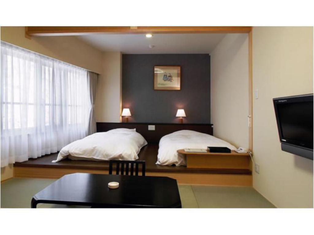 Japanese/Western-style Room (Mountain Side) - Guestroom